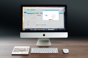 apple-imac-ipad-workplace-38568[1]
