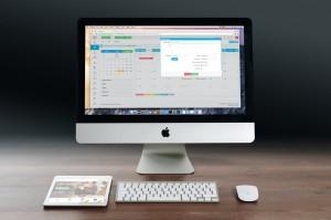 apple-imac-ipad-workplace-38568[1]